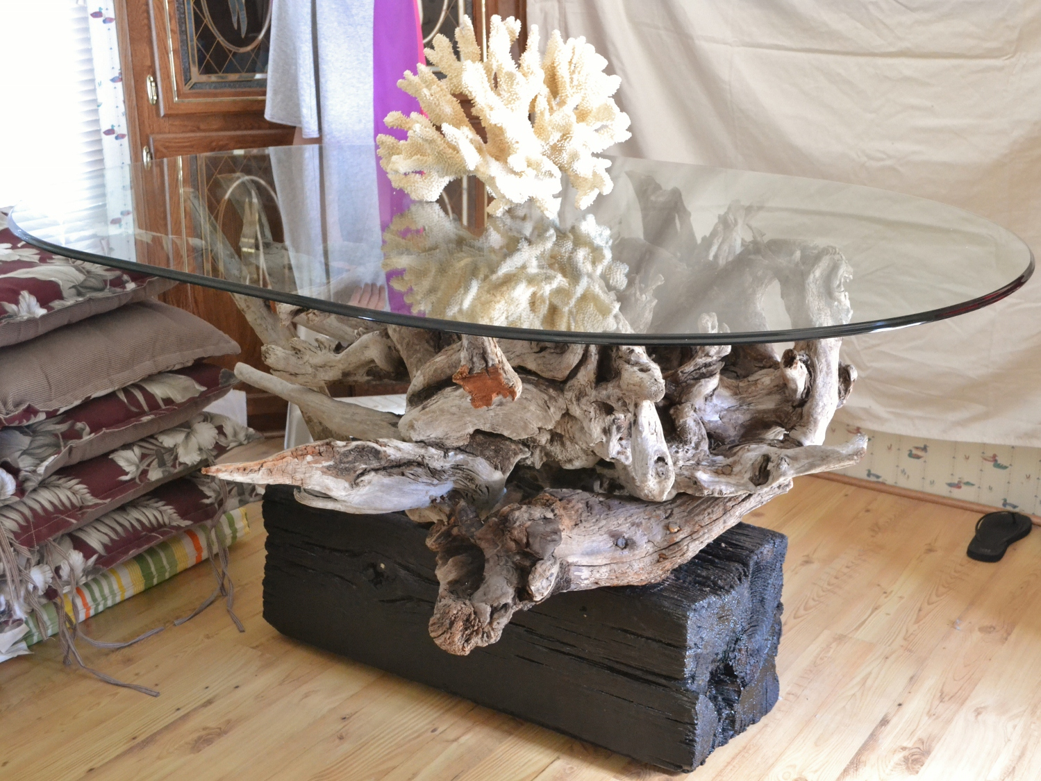 Outer banks obx driftwood pulled from the waters of the for Wohnzimmertisch country